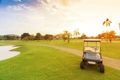 高尔夫球汽车 库存照片