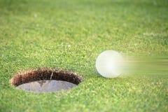 高尔夫球移动 库存图片