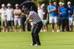 高尔夫球能手Molinari摇摆 免版税库存图片
