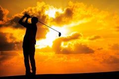 高尔夫球运动员剪影 库存例证