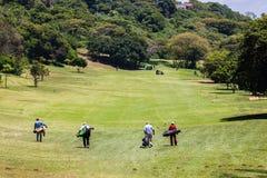 高尔夫球运动员第1个孔 免版税库存照片