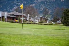 高尔夫球绿色特写镜头 图库摄影