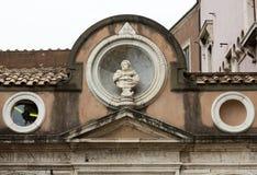 从高尚的庭院的建筑细节天使城堡的在罗马 图库摄影
