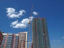 高层居民住房的建筑 免版税库存照片