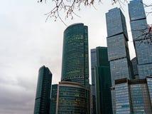高层建筑物、摩天大楼和办公室商业中心`莫斯科市` 免版税库存图片
