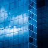高层建筑物在现代城市 免版税库存照片