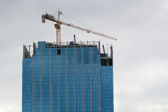 高层建筑物建设中在马尼拉 免版税库存照片