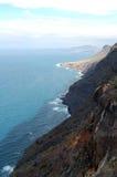 高山在加那利群岛上的海视图 免版税库存照片
