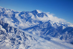 高山尼泊尔风景 免版税库存图片