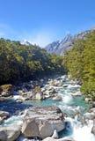 高山山河在原野 图库摄影