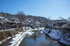 高山市在冬天 免版税图库摄影