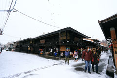 高山市,日本- 1月19 :在takayama城市espec的一多雪的天 免版税图库摄影
