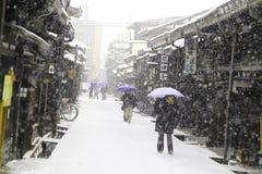 高山市,日本- 1月19 :雪的高山市城市  免版税库存照片