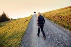 高山散步 库存照片