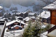 高山横向冬天 免版税库存图片