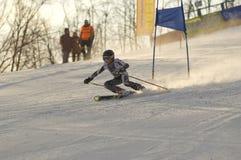 高山滑雪倾斜体育运动 免版税库存照片