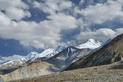 高山范围在喜马拉雅山 免版税库存图片