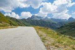 高山路在Val福尔马扎 库存照片
