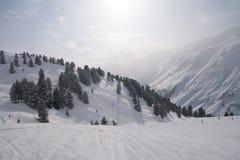 高山滑雪手段 免版税库存图片