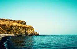 高岩石洗涤海水 俄罗斯,符拉迪沃斯托克 免版税库存图片