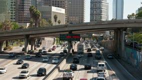 高峰时间交通时间间隔在街市洛杉矶 影视素材