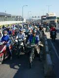 高峰时间,摩托车,交通堵塞,亚洲城市 图库摄影