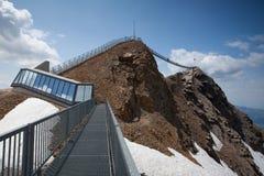 高峰步行在瑞士 库存照片