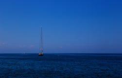 高帆柱帆船 库存照片