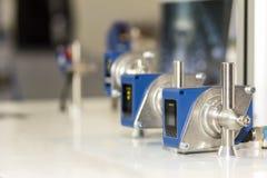 高性能和技术准确性和快速地检测激光距离传感器工业的 免版税库存照片