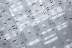 高技术抽象背景 透明塑料或玻璃细节  耐热有机玻璃激光切口  免版税库存图片