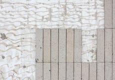 高明的瓦片墙壁背景 库存图片