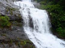 高有排列的瀑布- Cheeyappara瀑布,伊杜克克镇,喀拉拉,印度 免版税图库摄影