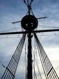 高木船帆柱剪影 库存图片