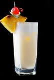 高杯Pina Colada鸡尾酒 免版税库存图片
