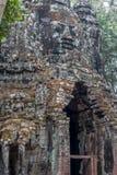 高棉微笑在吴哥窟 免版税库存图片