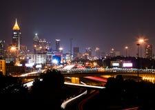 高楼在亚特兰大街市在黄昏 库存图片