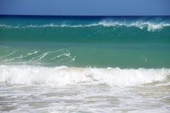 高波浪在海 库存照片