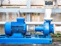 高流程水循环的泵浦在一个小工业冷却回路 免版税库存图片