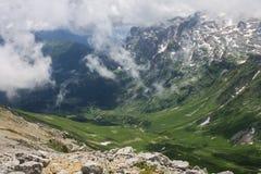 高涨komovi montenegro山 免版税库存图片