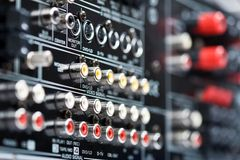 高科技AV接收器的连接器 免版税库存图片