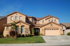 高级加利福尼亚房子 免版税图库摄影