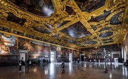 高级理事会共和国总督` s宫殿霍尔在威尼斯 免版税库存照片