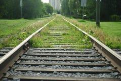 高级路面电车的铁路轨道在埃德蒙顿 免版税图库摄影
