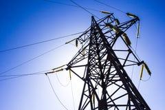 高能电压电线杆 免版税库存照片