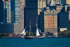 高船在曼哈顿, NYC 库存照片