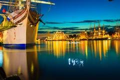 高船在2014年7月26日的港口赛跑在卑尔根,挪威 免版税图库摄影