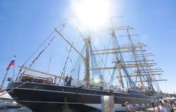 高船种族科特卡2017年 科特卡,芬兰16 07 2017年 在科特卡,芬兰港的三桅帆Kruzenshtern  库存图片