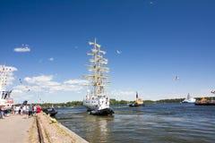 高船种族科特卡2017年 科特卡,芬兰16 07 2017年 船Mir离开科特卡,芬兰港  免版税库存图片
