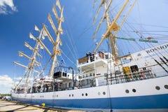 高船种族科特卡2017年 科特卡,芬兰16 07 2017年 运输在科特卡,芬兰港的Mir  库存图片