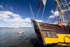 高船种族科特卡2017年 科特卡,芬兰16 07 2017年 运输在科特卡,芬兰港的Shtandart  库存图片